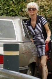 Debbie Mcgee Leaves A Veterinary Clinic In London 2
