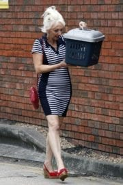 Debbie Mcgee Leaves A Veterinary Clinic In London 5