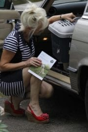 Debbie Mcgee Leaves A Veterinary Clinic In London 8