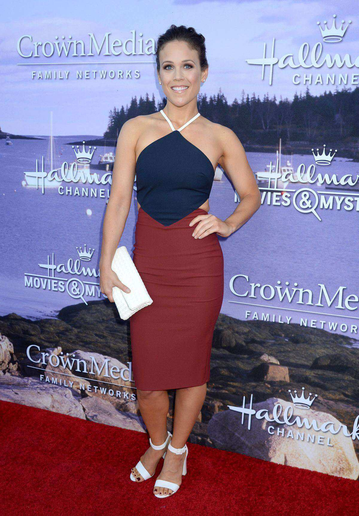erin-krakow-hallmark-movies-mysteries-summer-2016-001