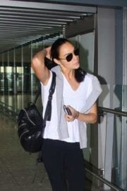 Israeli actress Gal Gadot at Heathrow Airport in London 4