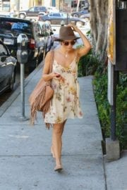 jenna-dewan-makes-stop-face-place-west-hollywood-004
