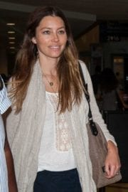 jessica-biel-lax-airport-los-angeles-005