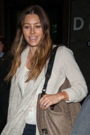 jessica-biel-lax-airport-los-angeles-006