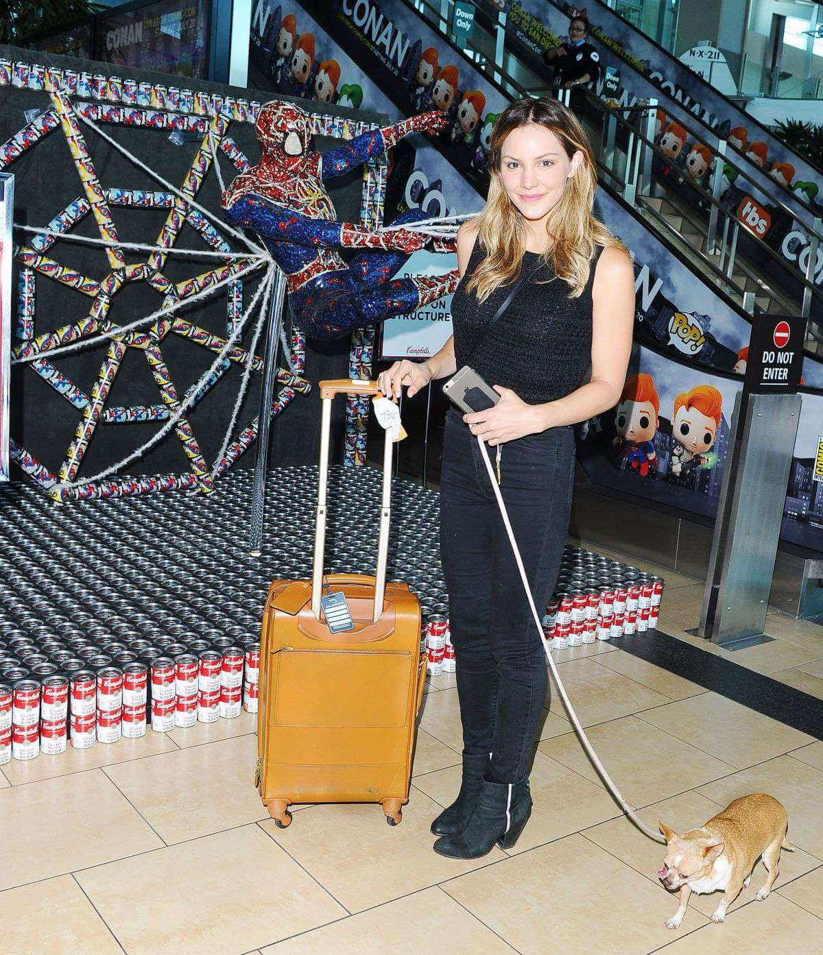 Katharine Mcphee Soup Spider Man At San Diego Airport 2