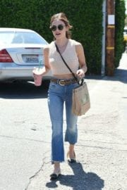 lucy-hale-picking-lunch-kreation-los-angeles-004