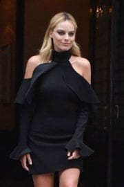 margot-robbie-tonight-show-starring-jimmy-fallon-new-york-018