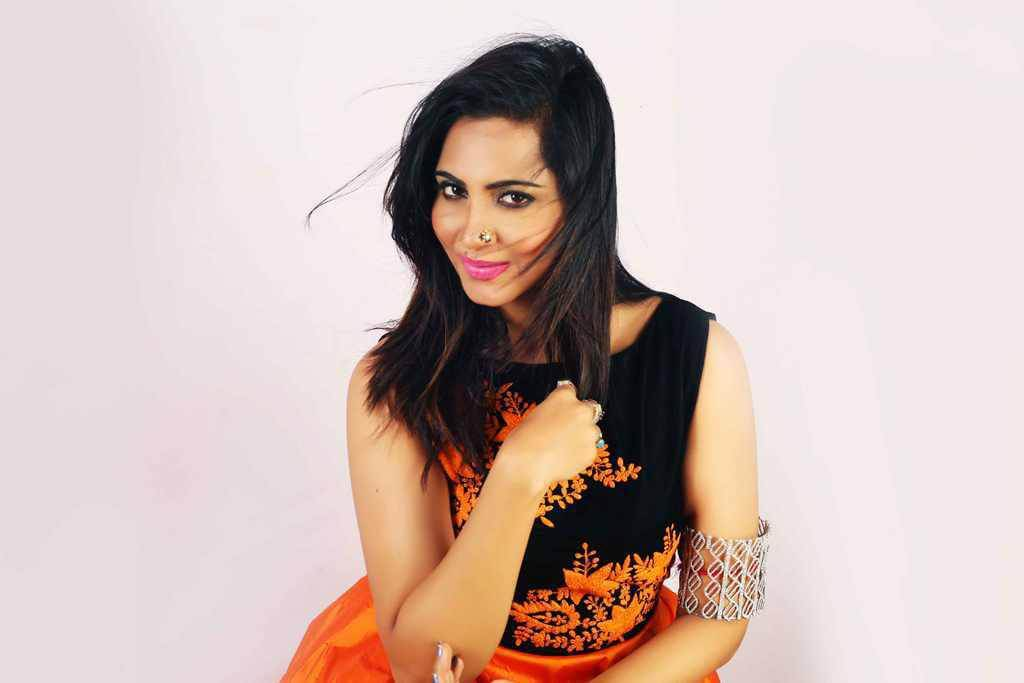 Arshi Khan Photoshoot for Flynn Remedios Photos