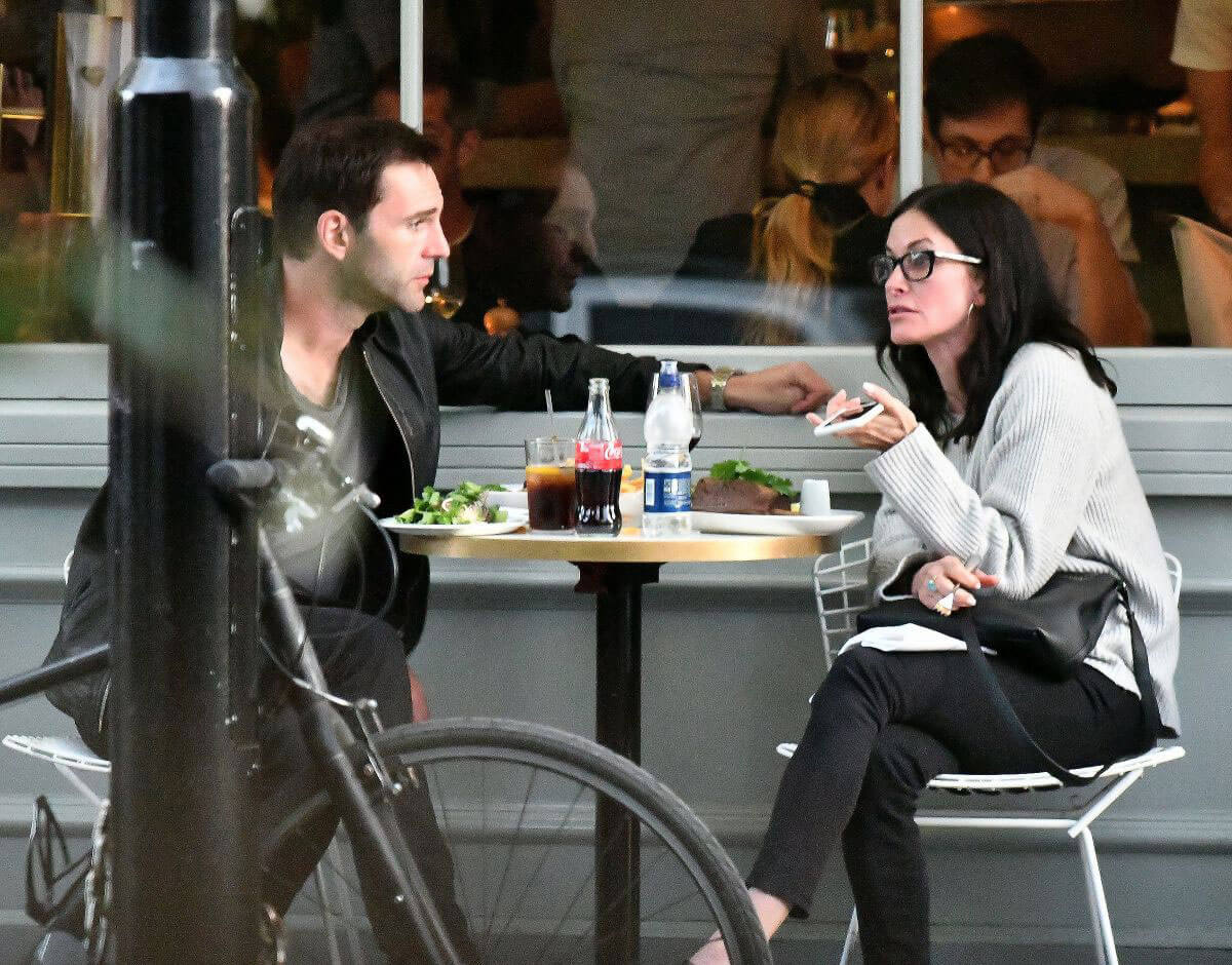 Courteney Cox at a Restaurant in Notting Hill - 14/09/2016