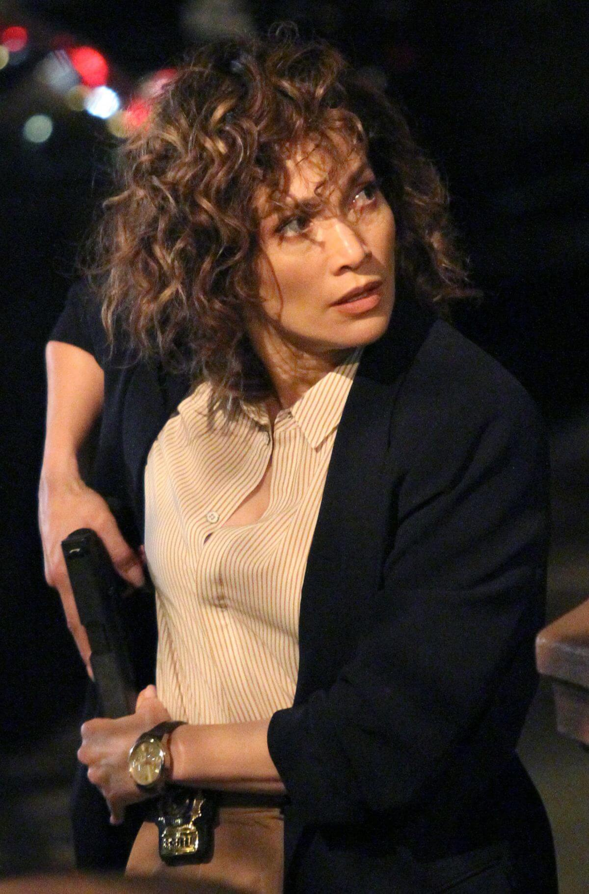 """Jennifer Lopez on the Set of """"Shades of Blue"""" in New York"""