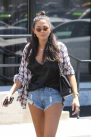 Jessica Gomes in Denim Shorts Out in Los Angeles - 15/09/2016