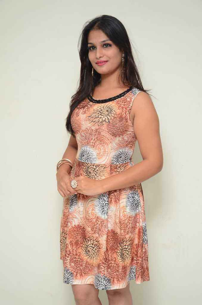 Sonakshi Dixit Hot Photoshoot in Flower Single Dress
