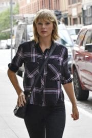 Taylor Swift Stills Out and About in New York