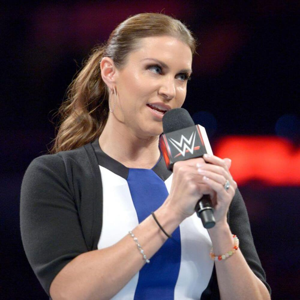 WWE Raw : Stephanie Mcmahon - 19/09/2016