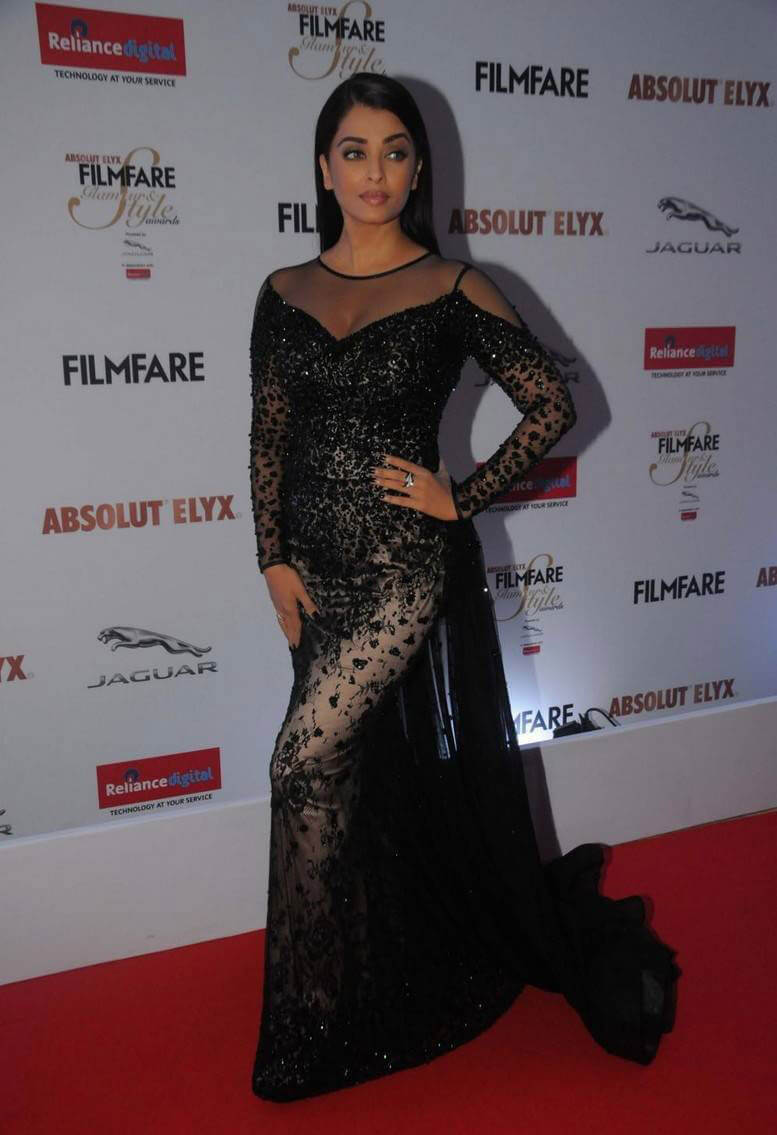 Aiswarya Rai at Filmfare Glamour and Style Awards 2016 Photos