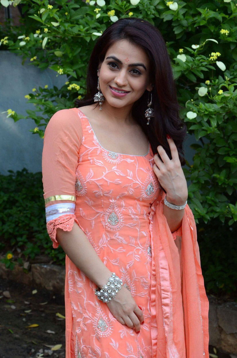 Aksha Pardasany at Aavu Puli Madhyalo Prabhas Pelli Song Launch Photos