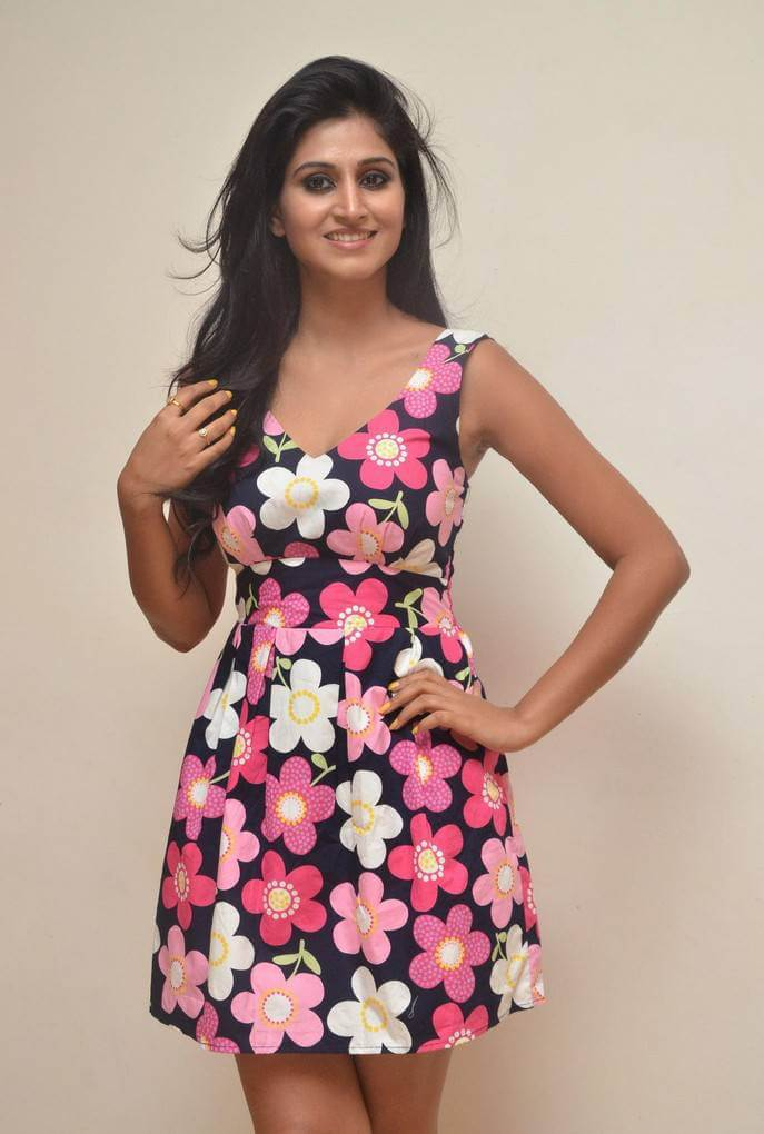 Shamili Sounderajan Hot Photoshoot in Floral Skirt