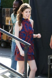 Anna Kendrick Stills Images on the Set of Extra in Los Angeles