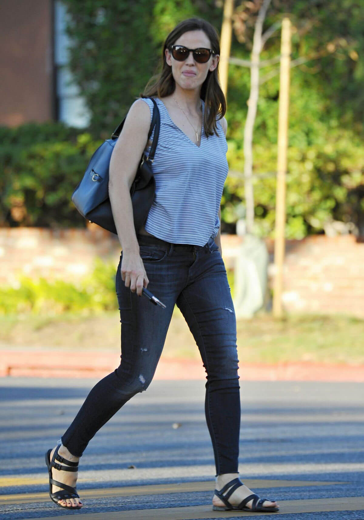Jennifer Garner Stills Images Out And About in Brentwood