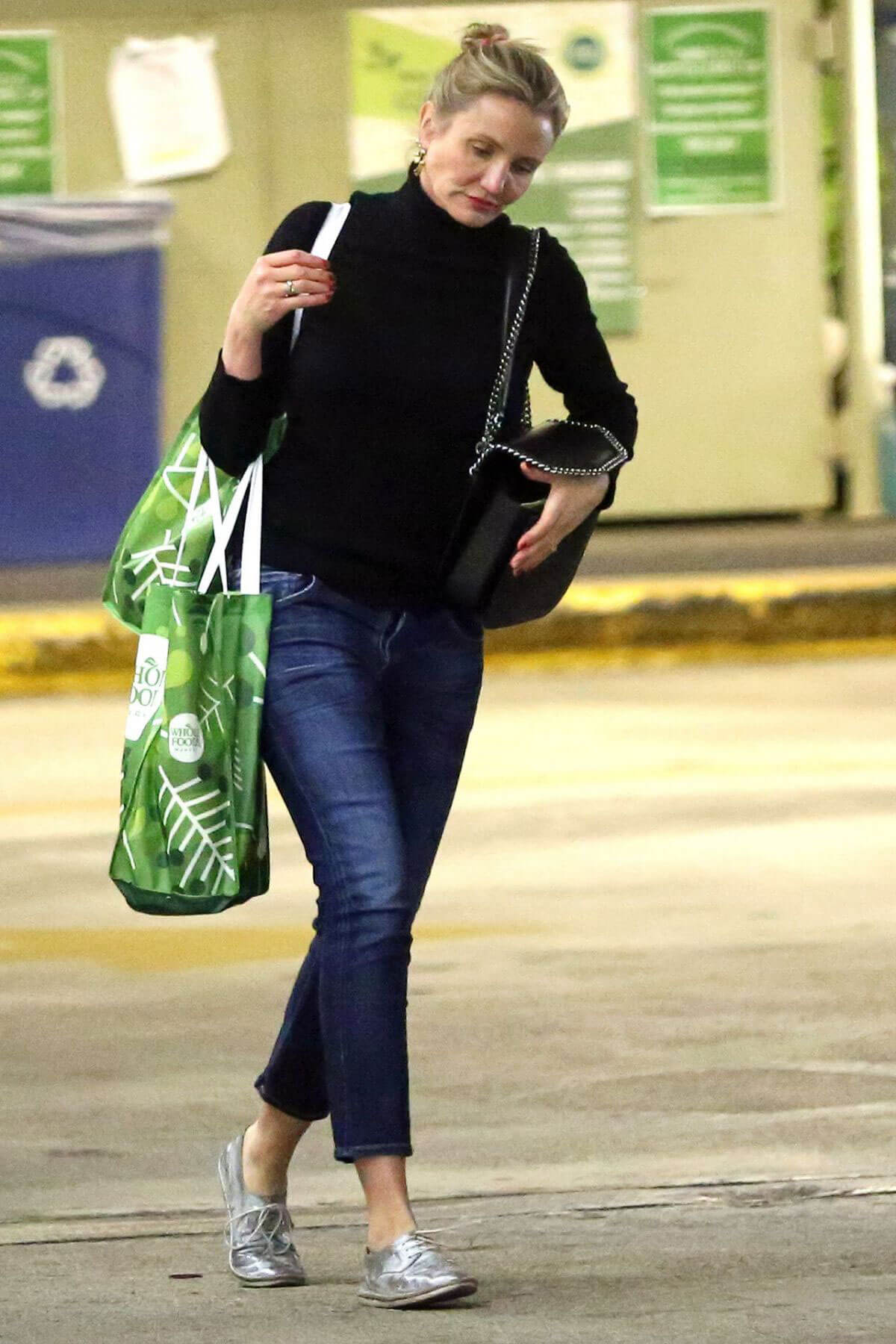 Cameron Diaz Stills Shopping at Whole Foods in Los Angeles