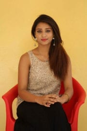 Aarthi at Plus 1 Movie Trailer Launch