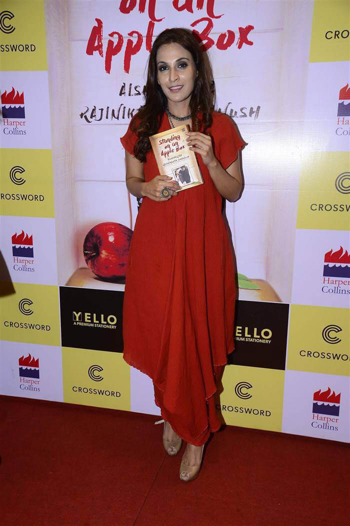 Aishwarya Rajinikanth Standing on an Apple Box Book Launch