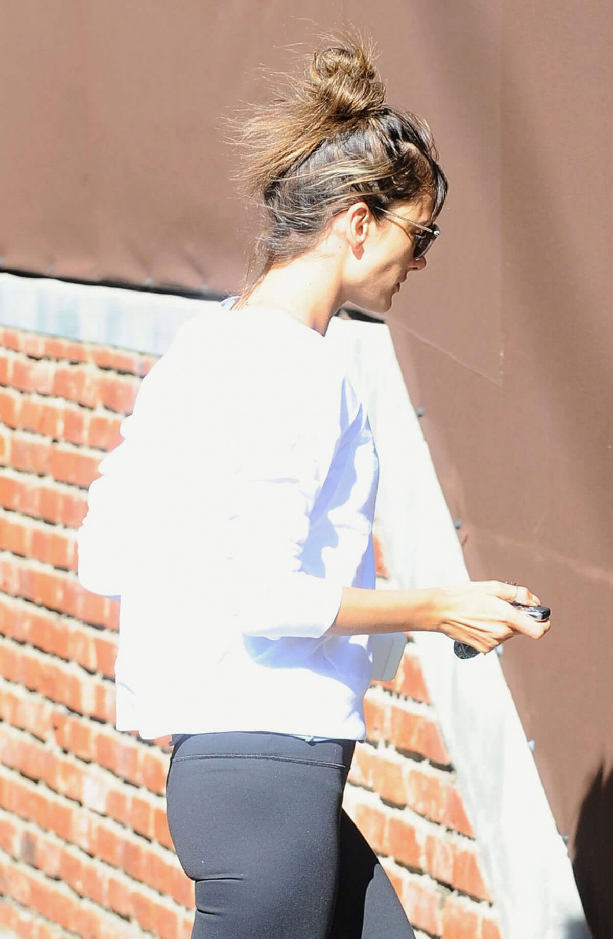Alessandra Ambrosio Arrives at a Gym in Los Angeles