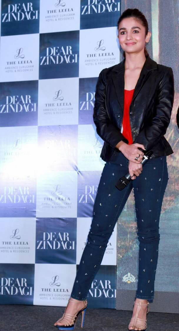 Alia Bhatt at Dear Zindagi Movie Promotions At New Delhi