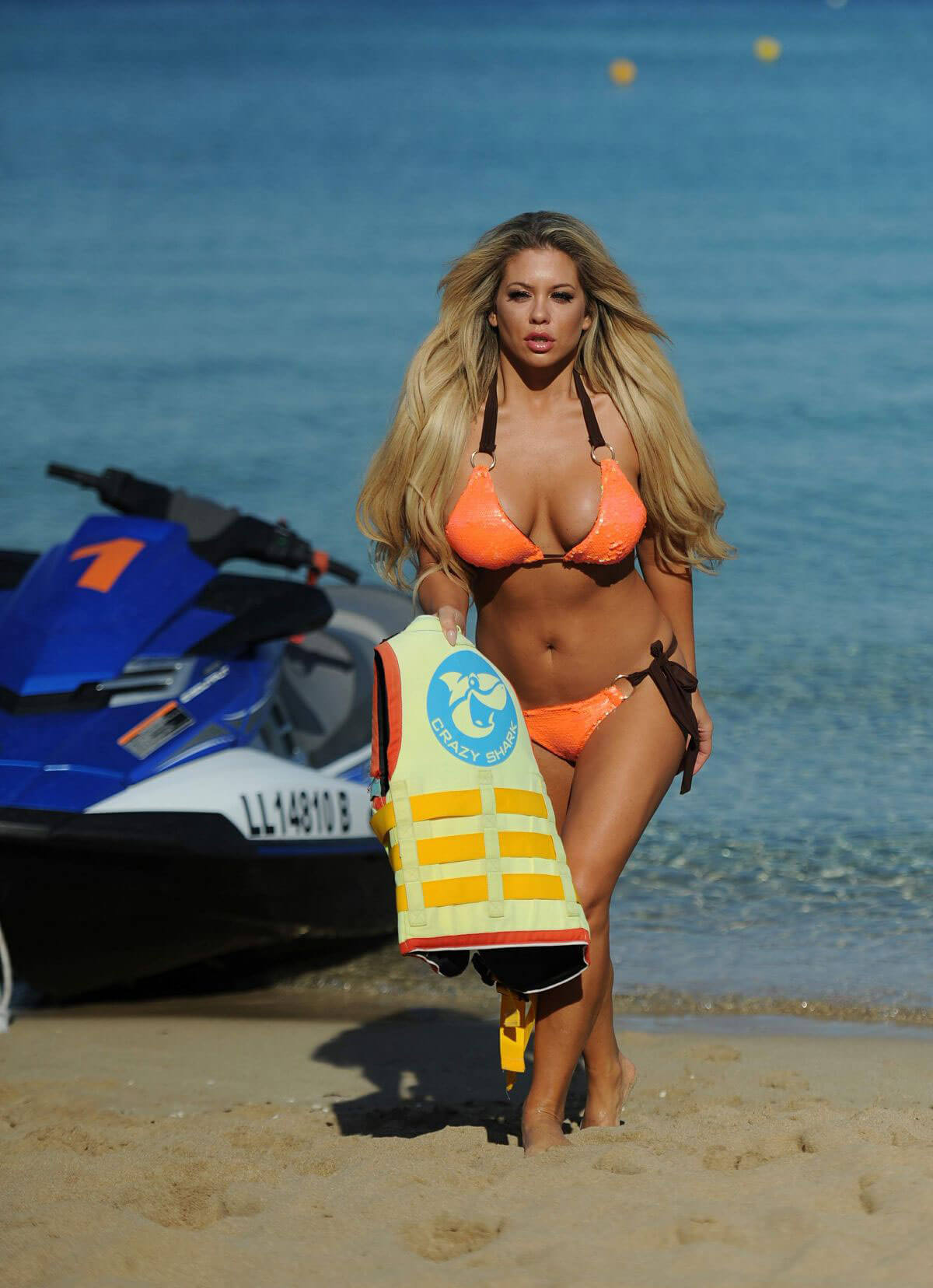 Bianca Gascoigne in Bikini on Vacation in Mexico Stills Images