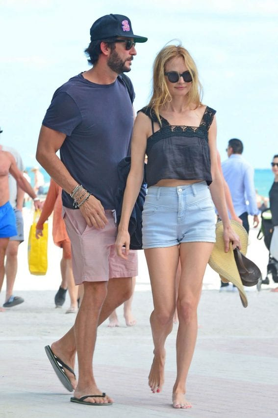 Heather Graham Stills Out with Her Boyfriend on the Beach in Miami