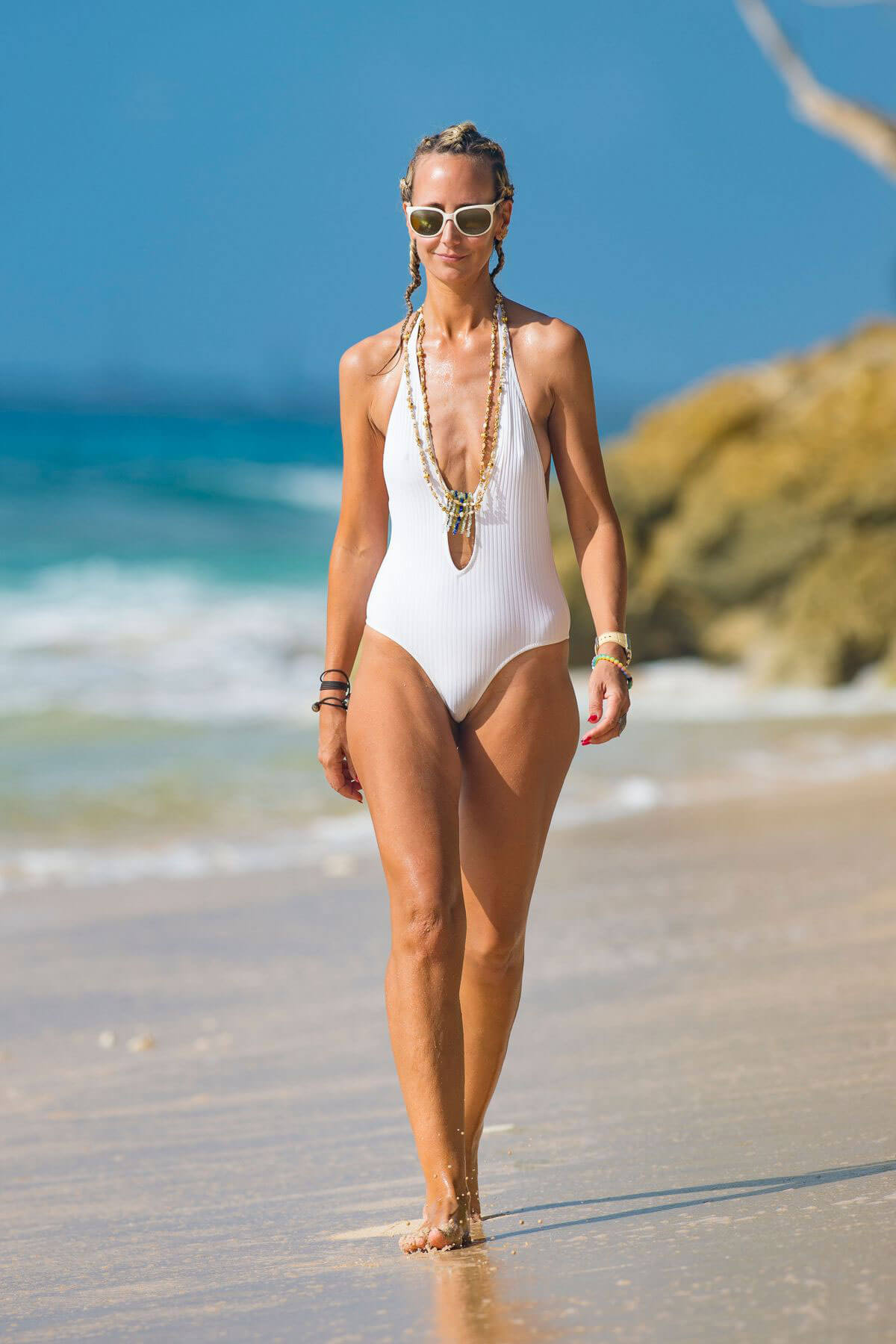 Lady Victoria Hervey In Swimsuit At A Beach In Barbados