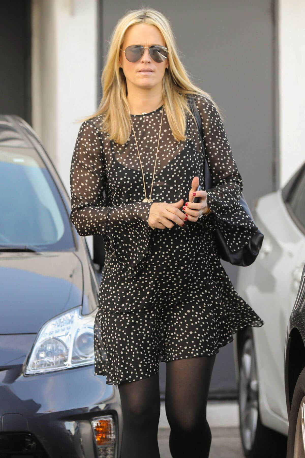 Pregnant Molly Sims Leaves a Hair Salon in Beverly Hills