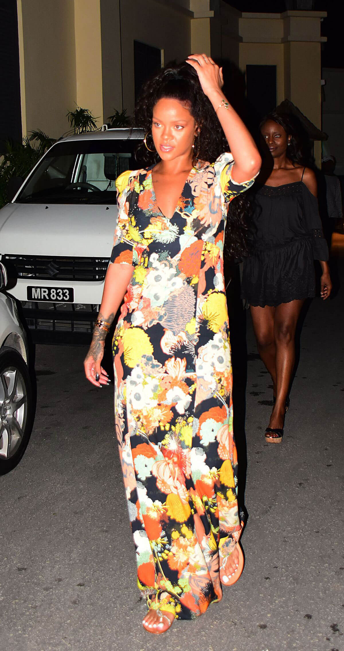 Rihanna Out for Dinner in Barbados Photos