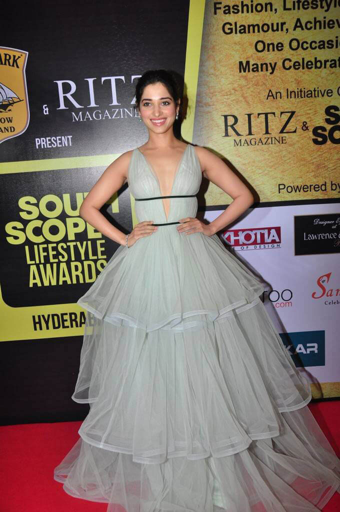 Tamanna at South Scope Lifestyle Awards 2016 Red Carpet