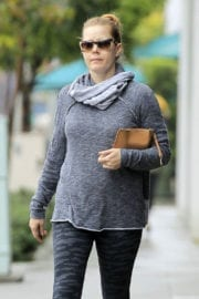 Amy Adams Shoping for Groceries in Los Angeles