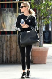 Ashlee Simpson Stills Heading to a Gym in Los Angeles