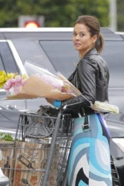 Brooke Burke Stills Out Buying Flowers in Beverly Hills