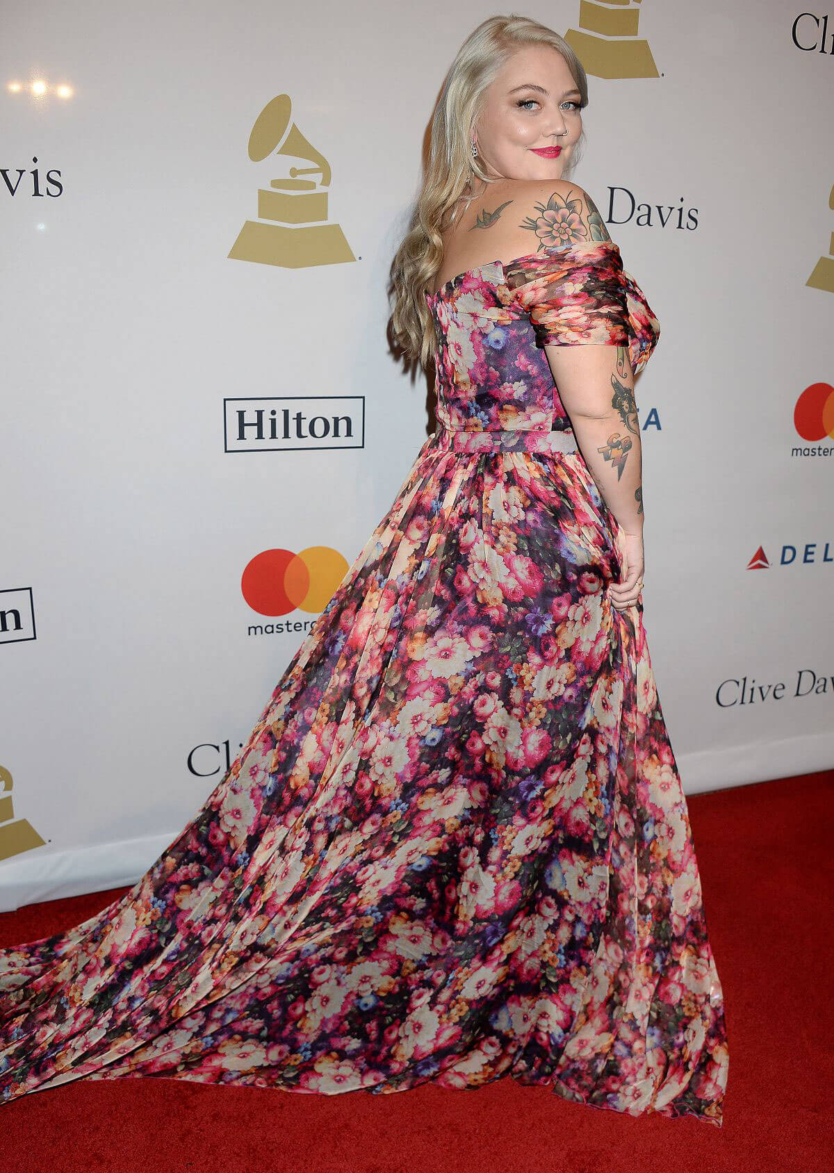 Elle King Stills at Clive Davis Pre-grammy Party in Los Angeles