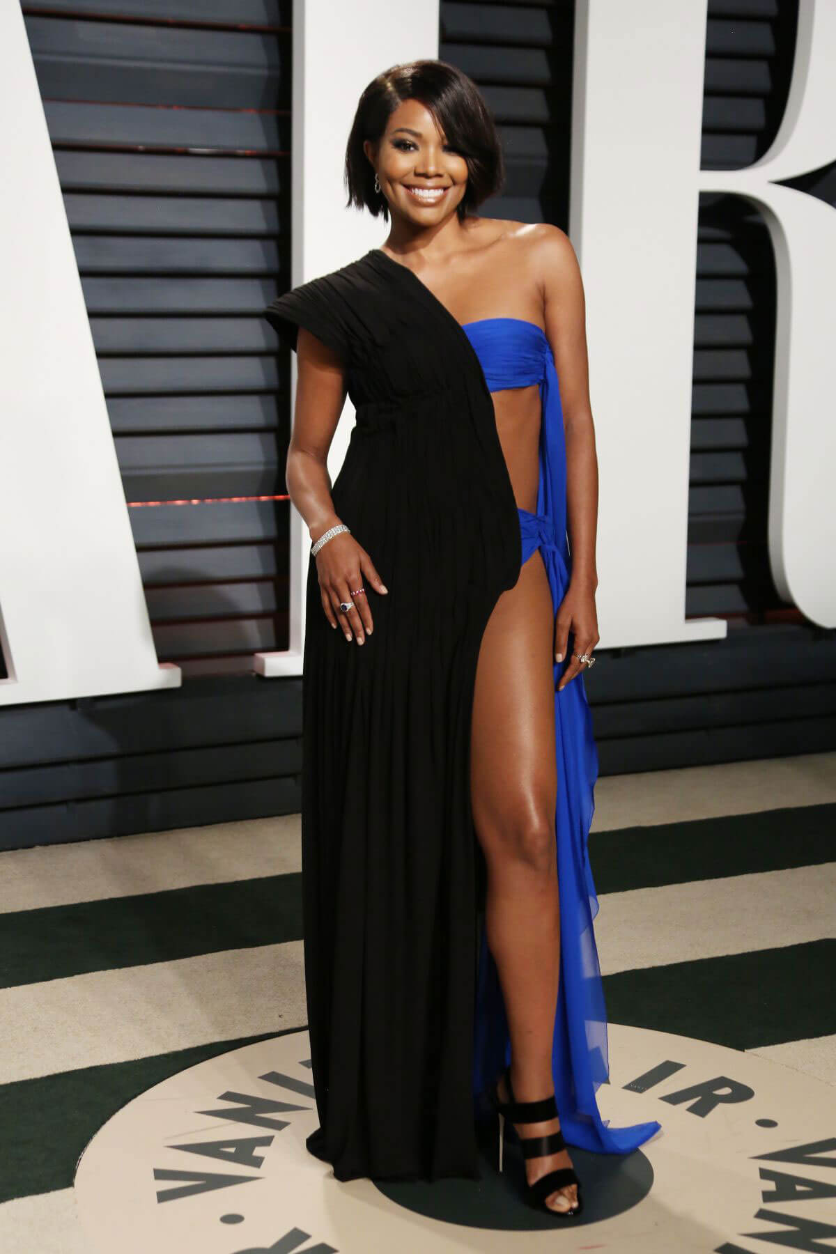 Gabrielle Union Stills at 2017 Vanity Fair Oscar Party in Beverly Hills
