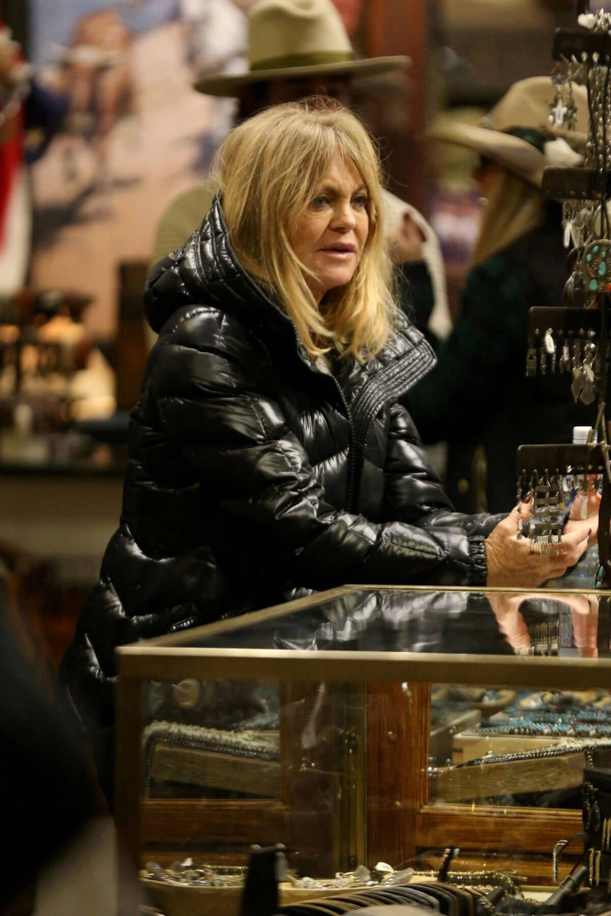 Goldie Hawn Out For Shopping in Aspen