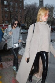 Hailey Baldwin and Kendall Jenner Out for Lunch in New York