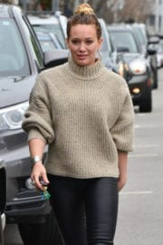 Hilary Duff Stills Out in West Hollywood