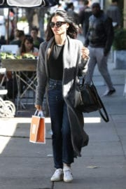 Jenna Dewan Stills Out Shopping at Melrose Place in West Hollywood