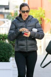 Jennifer Garner Out For Coffee in Brentwood