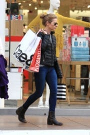 Jessalyn Gilsig Out For Shopping in Los Angeles