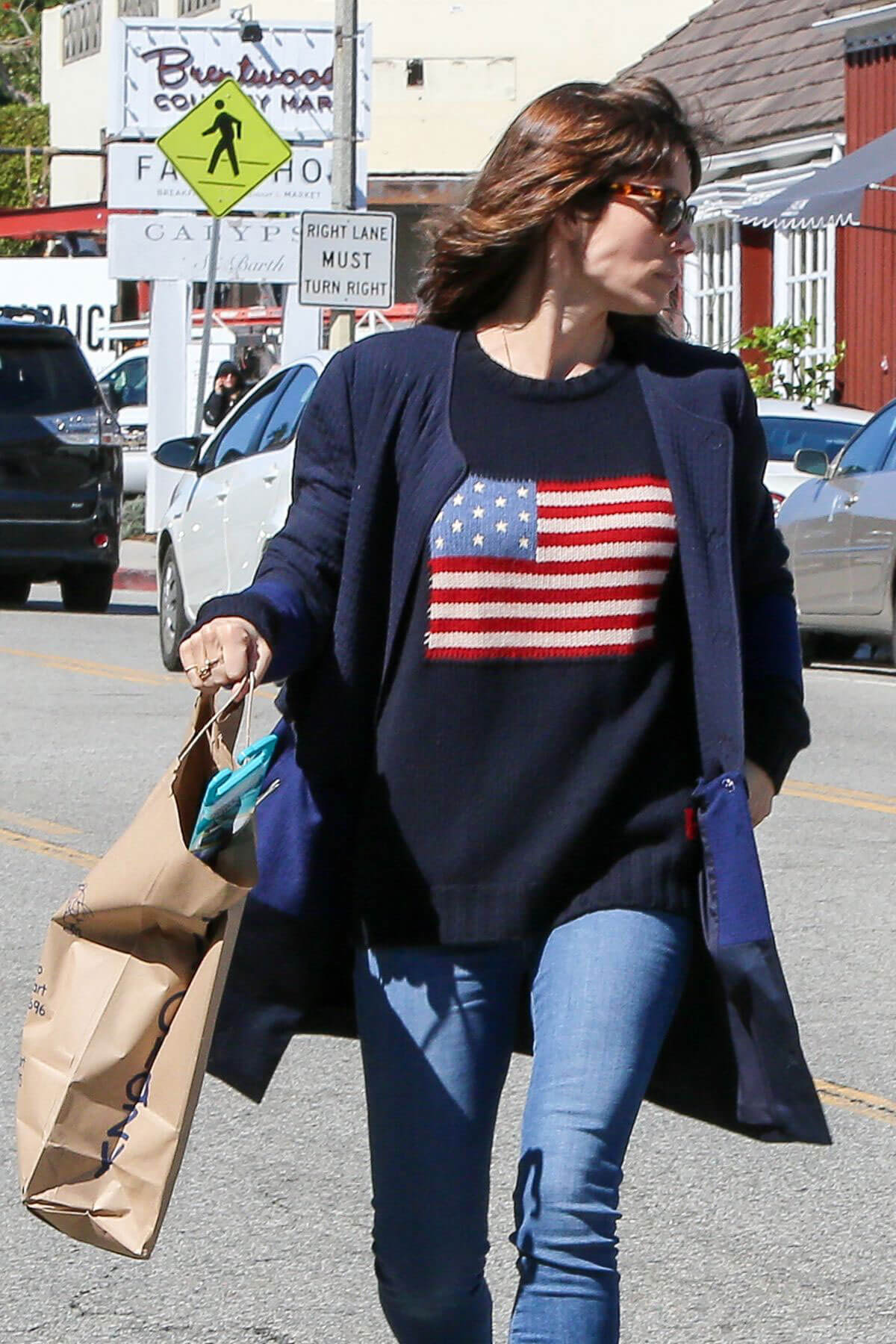 Jessica Biel Stills Shopping at Crazy Toys in Brentwood