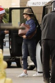 Katie Holmes at Westfield Topanga Mall in Canoga Park