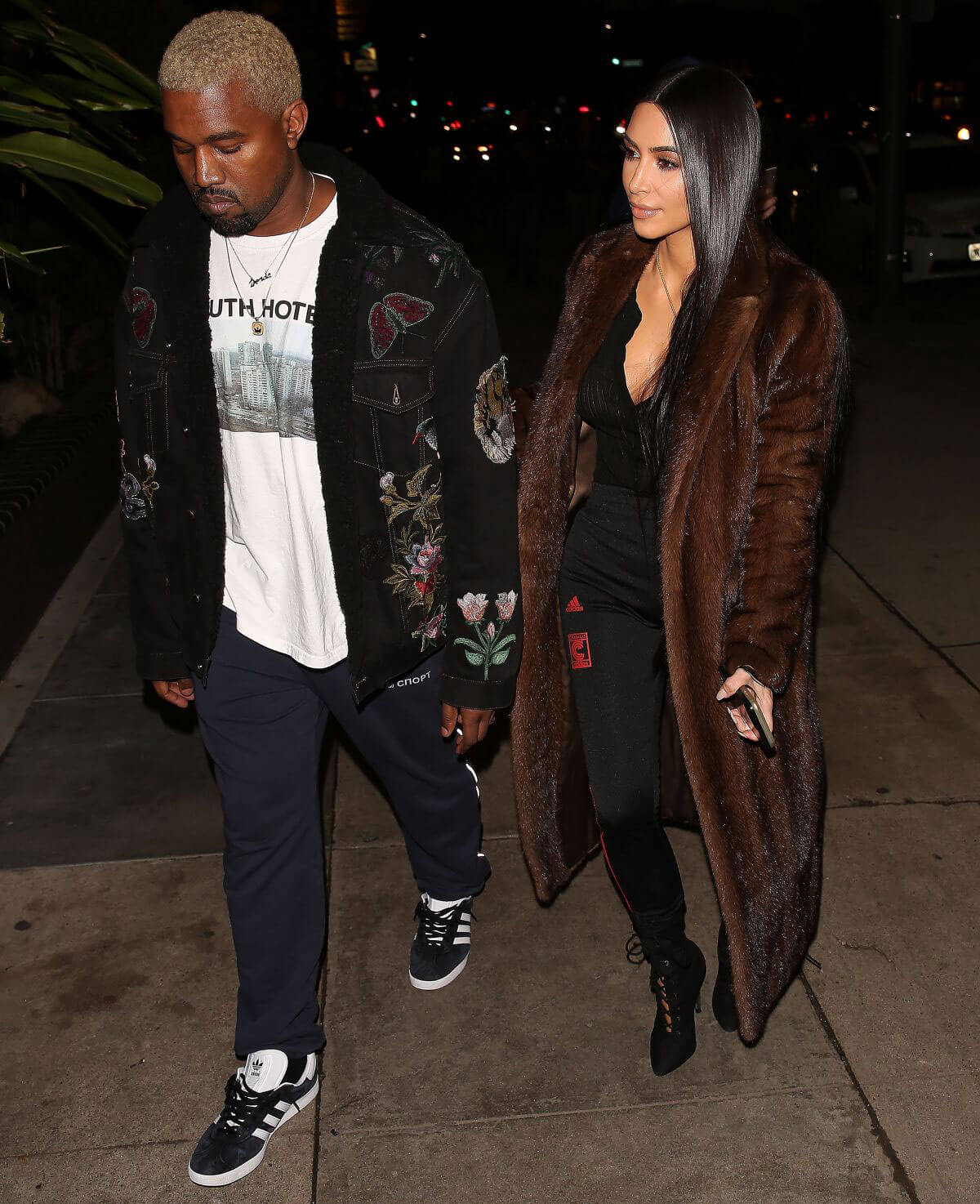 Kim Kardashian and Kanye West Stills Out for Dinner in Los Angeles