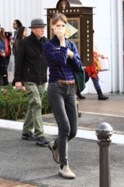 Mackenzie Davis Out For Shopping in Los Angeles