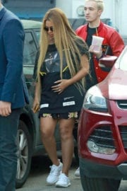 Pregnant Beyoncé Stills Out and About in Beverly Hills